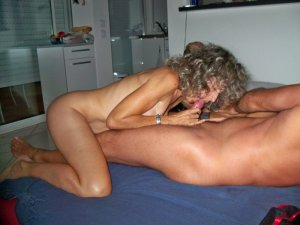 Elyanna luxus erotische massage Obernburg a. Main, BY